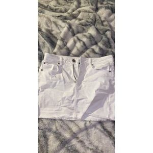 High-waisted denim mini skirt 🤍🤍🤍🤍🤍